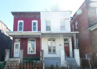 Foreclosed Home en CATOR AVE, Baltimore, MD - 21218