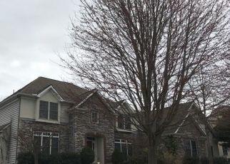 Foreclosed Home en MEADOW CROSS WAY, York, PA - 17402