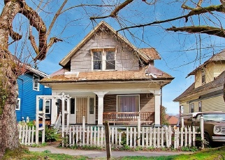 Foreclosed Home en 19TH AVE, Seattle, WA - 98122