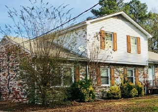 Foreclosed Home en WEYANOKE DR, Portsmouth, VA - 23703