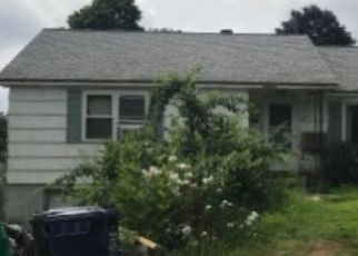 Foreclosed Home in STANLEY AVE, Dracut, MA - 01826