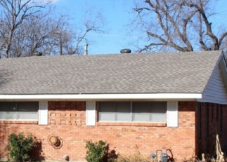 Foreclosed Home in NW 8TH ST, Grand Prairie, TX - 75050