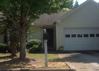 Foreclosed Home en CANDLEWOOD WAY, Lawrenceville, GA - 30044
