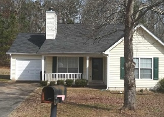 Foreclosed Home en SAGANAW DR, Rex, GA - 30273