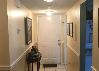 Foreclosed Home en LOTUS COVE CT, Altamonte Springs, FL - 32714
