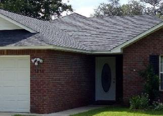 Foreclosed Home en COX RD, Milton, FL - 32583