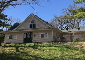 Foreclosed Home en ROMAINE CREEK RD, Fenton, MO - 63026