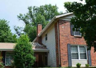 Casa en ejecución hipotecaria in Chesterfield, MO, 63017,  SCHOETTLER VALLEY DR ID: P1284404