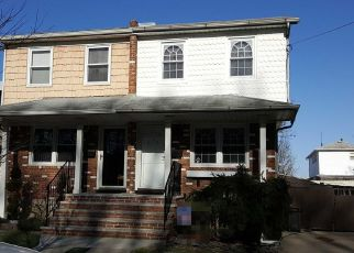 Foreclosed Home en WOODROW RD, Staten Island, NY - 10312