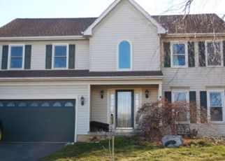 Foreclosed Home en CARDINAL DR, Conshohocken, PA - 19428