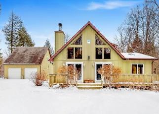 Foreclosed Home en STONEBRIDGE RD, Union Dale, PA - 18470