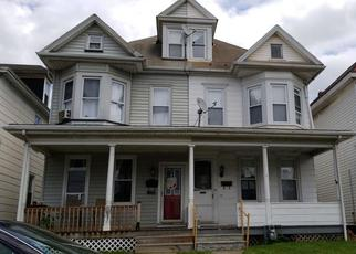 Foreclosed Home en S 18TH ST, Easton, PA - 18042