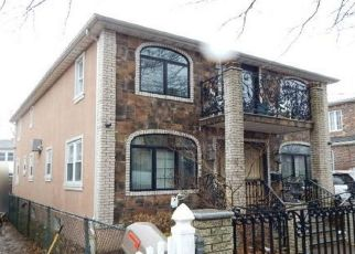 Foreclosed Home en 122ND ST, South Ozone Park, NY - 11420