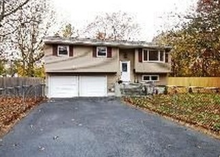 Foreclosed Home in MAYFLOWER AVE, Brentwood, NY - 11717