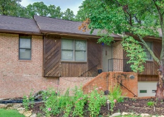 Foreclosed Home en PLYMOUTH ROCK DR, Jefferson City, MO - 65109