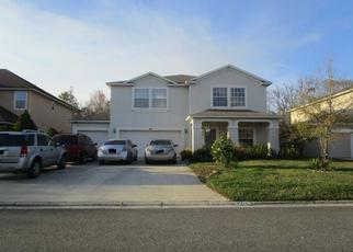 Foreclosed Home en CREEKMONT DR, Middleburg, FL - 32068