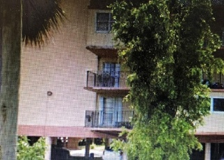 Foreclosed Home en W 56TH ST, Hialeah, FL - 33012