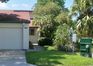 Foreclosed Home en SW CROSSING CIR, Palm City, FL - 34990