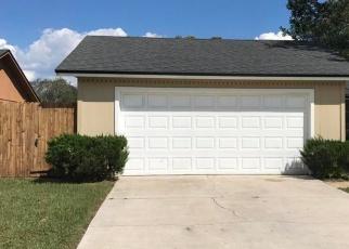 Foreclosed Home en CORKY LN, Jacksonville, FL - 32244
