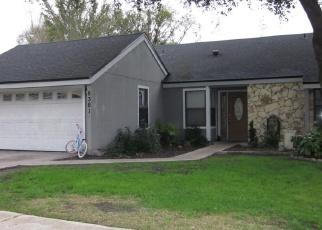 Foreclosed Home en CHIMNEY OAK DR, Jacksonville, FL - 32244