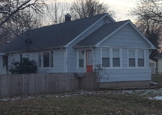 Foreclosed Home in W PRAIRIE ST, Taylorville, IL - 62568