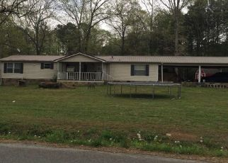Foreclosed Home en HOLLY CREEK DR, Chatsworth, GA - 30705