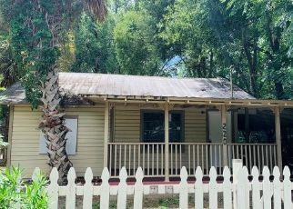 Foreclosed Home en BRINKLEY DR, Deland, FL - 32724