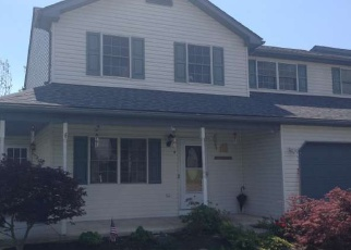 Foreclosed Home en POND VIEW DR, Birdsboro, PA - 19508