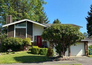 Foreclosed Home en SE 21ST ST, Renton, WA - 98055