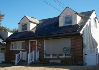 Foreclosed Home in HEMLOCK TER, Woodbury, NJ - 08096