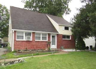 Foreclosed Home en ARMSTRONG AVE, Holmes, PA - 19043