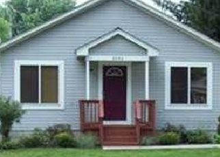 Foreclosed Home en SALINE DR, Waterford, MI - 48329