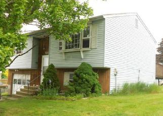 Foreclosed Home in HITCHCOCK DR, Meriden, CT - 06450