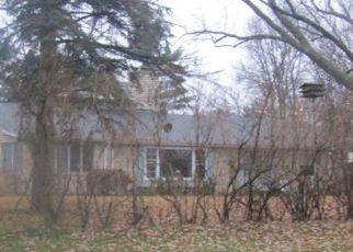 Foreclosed Home en VIKING DR E, Saint Paul, MN - 55117