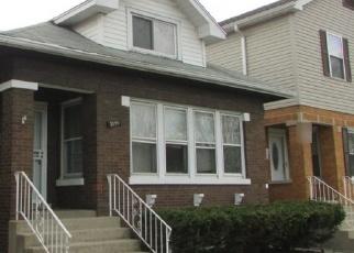 Foreclosed Home en ELMWOOD AVE, Berwyn, IL - 60402
