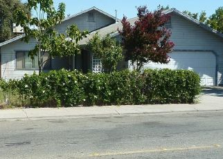 Foreclosed Home en S GOLDEN GATE AVE, Stockton, CA - 95205
