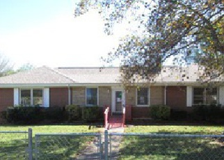 Foreclosed Home in MAPLELAWN AVE NW, Roanoke, VA - 24012