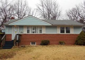 Foreclosed Home en BARKER PL, Lanham, MD - 20706