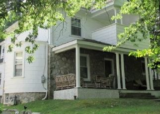 Foreclosed Home en SHARON AVE, Sharon Hill, PA - 19079