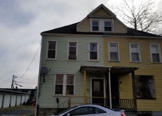 Foreclosed Home en S UNION ST, Easton, PA - 18042