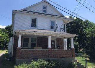 Foreclosed Home en DIVISION ST, Bangor, PA - 18013