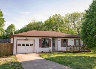 Foreclosed Home en W CHESTNUT ST, Springfield, MO - 65803