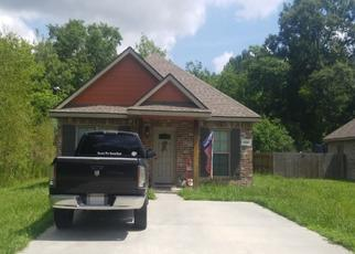 Foreclosed Home in JANELLE AVE, Westlake, LA - 70669