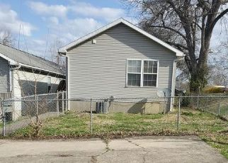 Foreclosed Home in HASKIN AVE, Louisville, KY - 40215