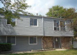Casa en ejecución hipotecaria in Elgin, IL, 60120,  HIGHBURY DR ID: P1292688