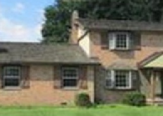 Foreclosed Home en AMSEL AVE NE, Canton, OH - 44721