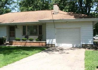Foreclosed Home en W STARR ST, Peoria, IL - 61605