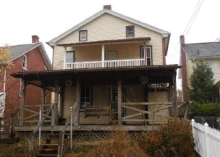 Foreclosed Home en S STATE ST, Ephrata, PA - 17522
