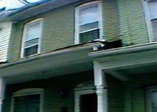 Foreclosed Home en SASSAFRAS ST, Easton, PA - 18042