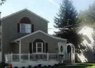Foreclosed Home in W BELMONT ST, Bay Shore, NY - 11706